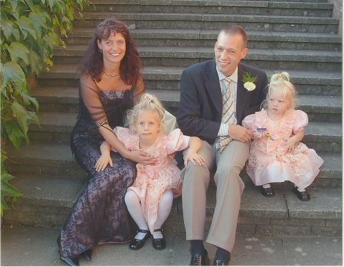 A family photo taken at Sara and Justins wedding in september 2003